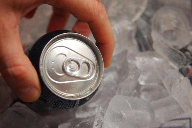 Como gelar bebidas rapidamente