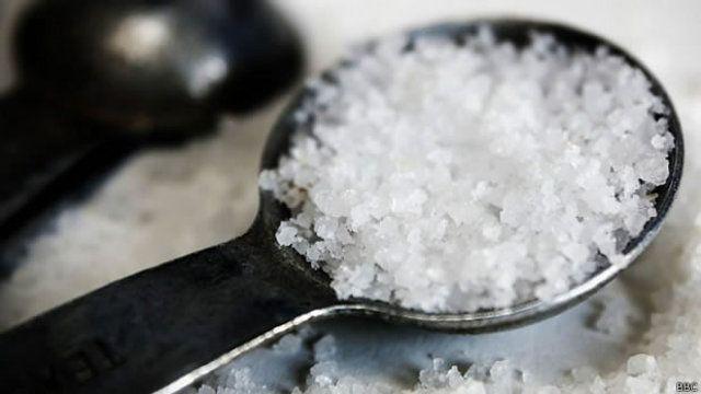 Como reduzir o sal na alimentação