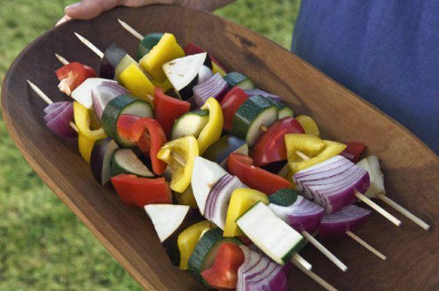 Churrasco natural: conheça opções com frutas e legumes