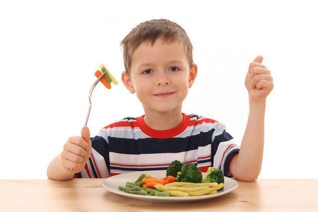 Dicas para abrir o apetite do seu filho e ajudá-lo a comer sem sofrimento