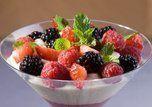 Como usar frutas vermelhas em pratos culinários