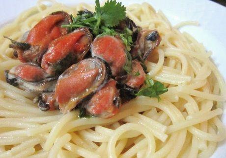 Espaguete com molho de mexilhão