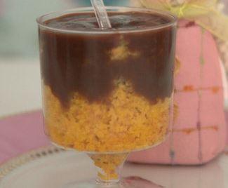 Bolo de Chocolate e Cenoura no Copo