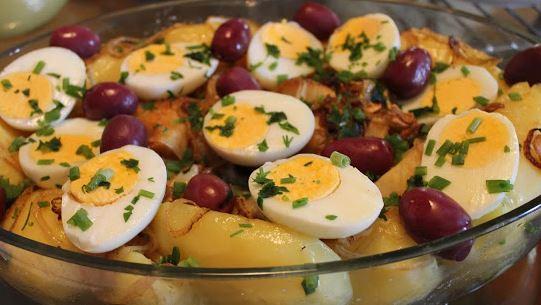 Bacalhau com Batata, Ovos e Cebola