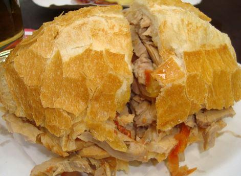 Sanduíche de Pernil