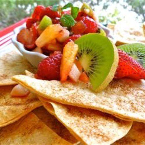 Molho de frutas e fritas de canela