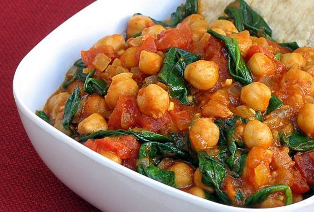 Grão de bico, legumes e curry na panela de pressão