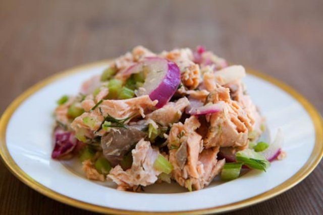 Salada de salmão e aipo