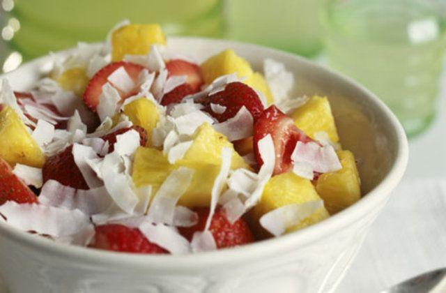 Salada de fruta com flocos de coco