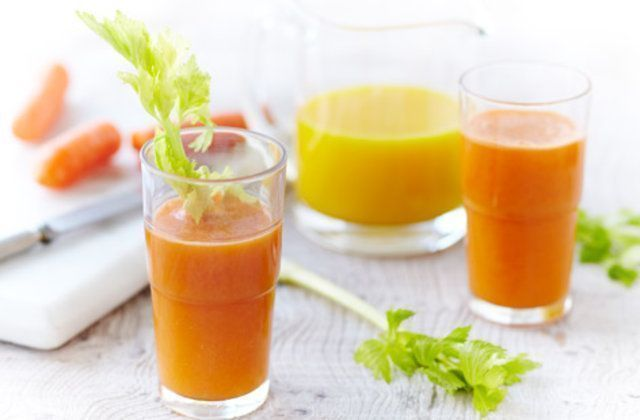 Suco de laranja, cenoura e  aipo