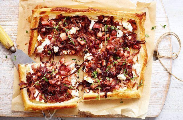 Torta folhada de ricota, bacon e cebola