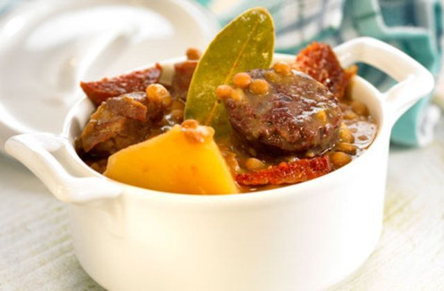 Ensopado de carne de Vaca, lentilha e batata