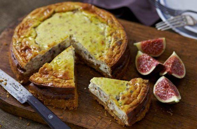 Cheesecake de gorgonzola e noz