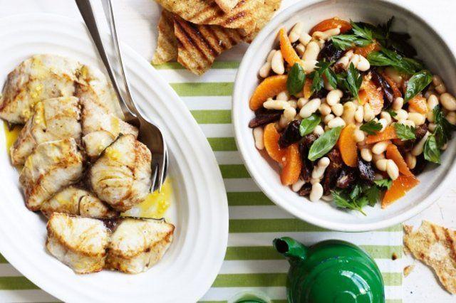 Peixe com laranja e salada de feijão branco