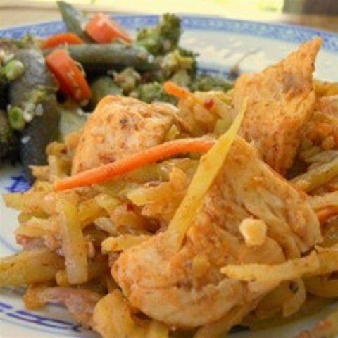 Salada tailandesa de galinha e brócolis