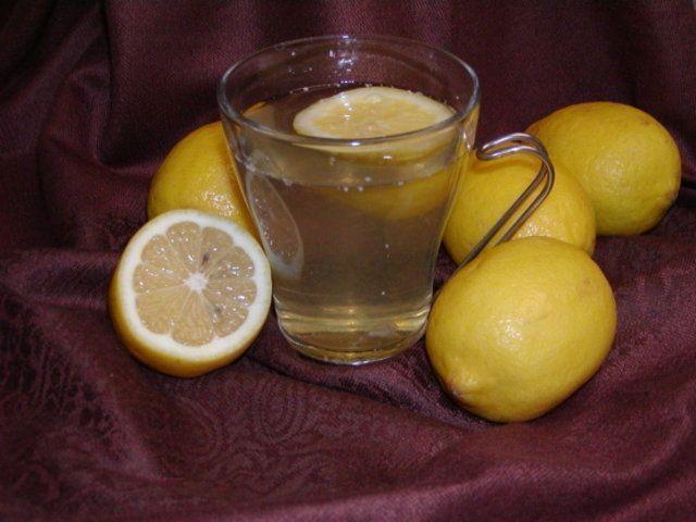 Detox de mel e limão