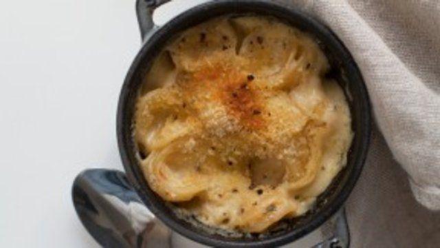 Macarrão de forno com cheddar
