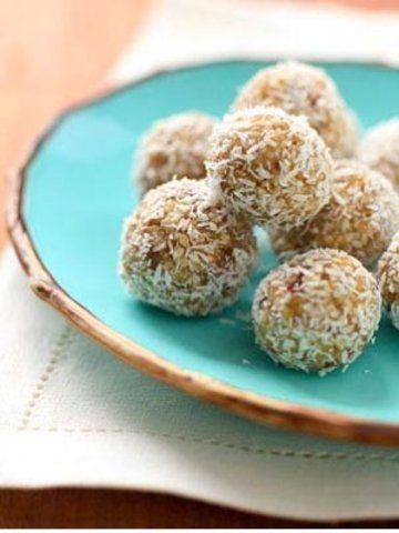 Bolinhas de tâmaras com coco