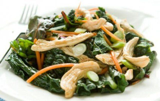 Frango com verduras e cenoura