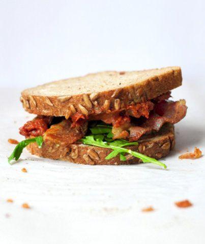 Sanduíche do bacon, Rúcula e geleia de tomate