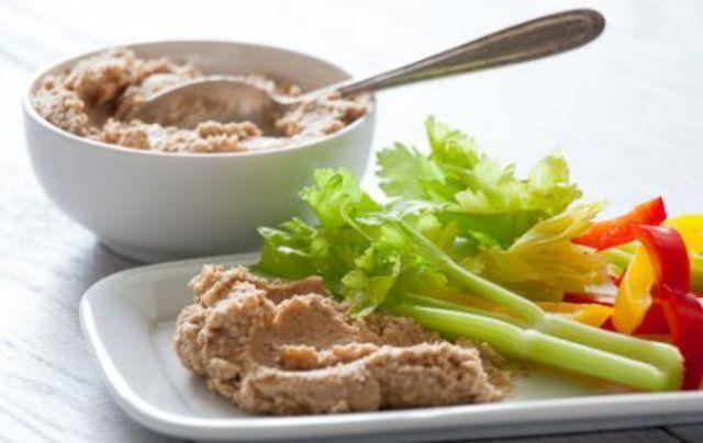 Hummus de couve-flor e azeitona