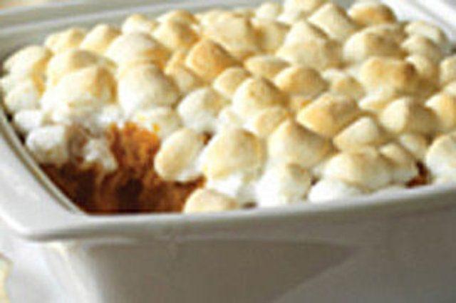 Torta de batata doce com marshmallows