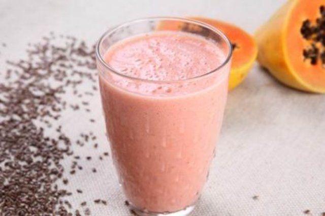 Vitamina de frutas com linhaça