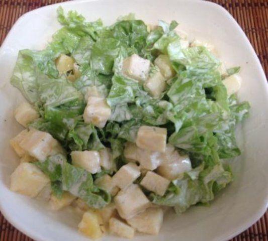 Salada de alface com abacaxi