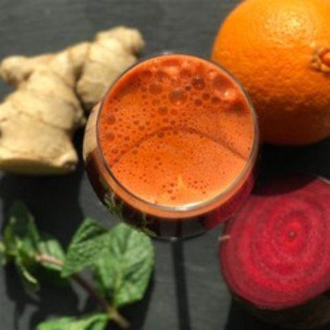 Suco de verduras com frutas