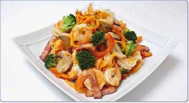 Camarão com legumes