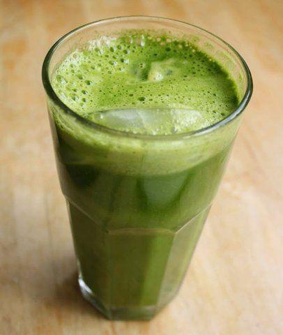 Suco verde com abacaxi