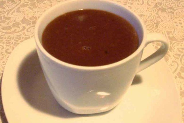 Chocolate quente cremoso simples