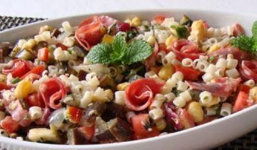 Salada síria de macarrão