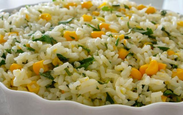 Arroz com Milho Verde e Salsa