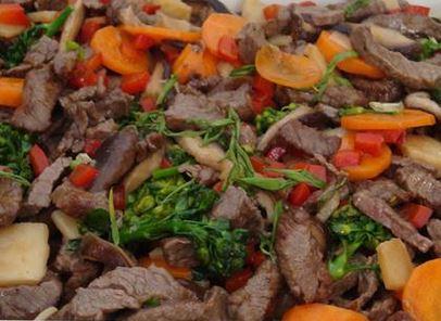 Carne com Legumes à Chinesa