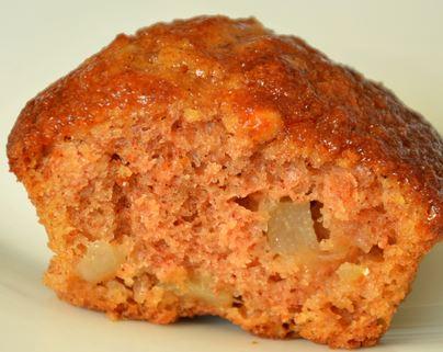 Muffins de pêra, canela e mel