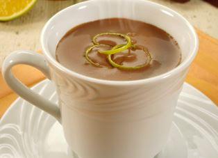 Chocolate Quente com Casca de Laranja