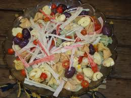 Salada de macarrão com Kani