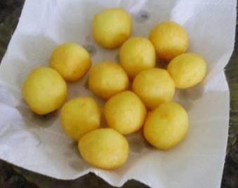 Bolinha de batata com queijo