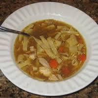 Sopa asiática de frango com pimenta