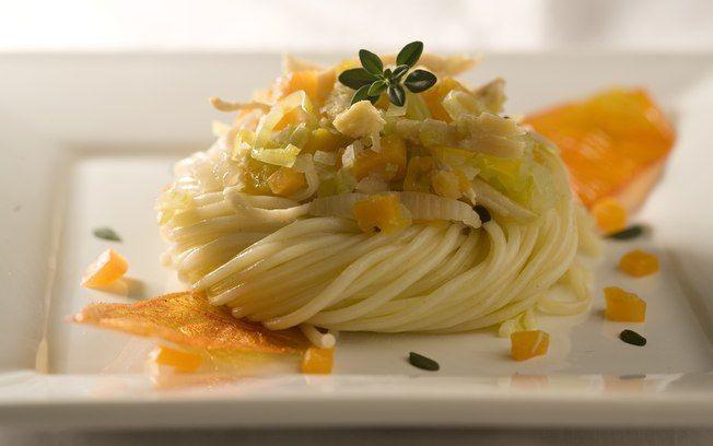 Espaguete light com ragu de peru