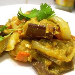 Baingan bharta (Berinjela ao curry)