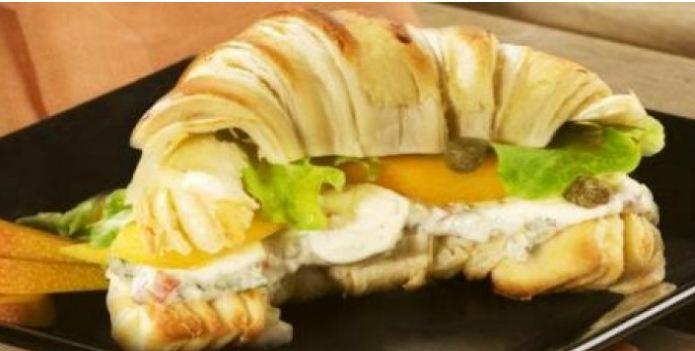 Croissant com gorgonzola
