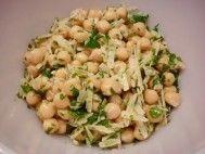 Salada de grão-de-bico com alho e ervas