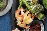 Falso tempurá de brócolis e camarão
