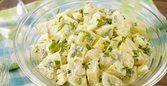 Salada de batata com nozes e gorgonzola