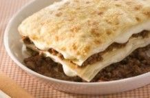 Lasanha com aspargos com cream cheese e pão ralado