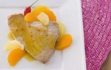 Atum grelhado com molho de cítrico e pimenta