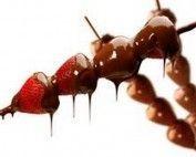 Espetinhos de Frutas no Chocolate
