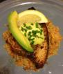 Peixe-agulha com soja, gengibre e manteiga de abacate